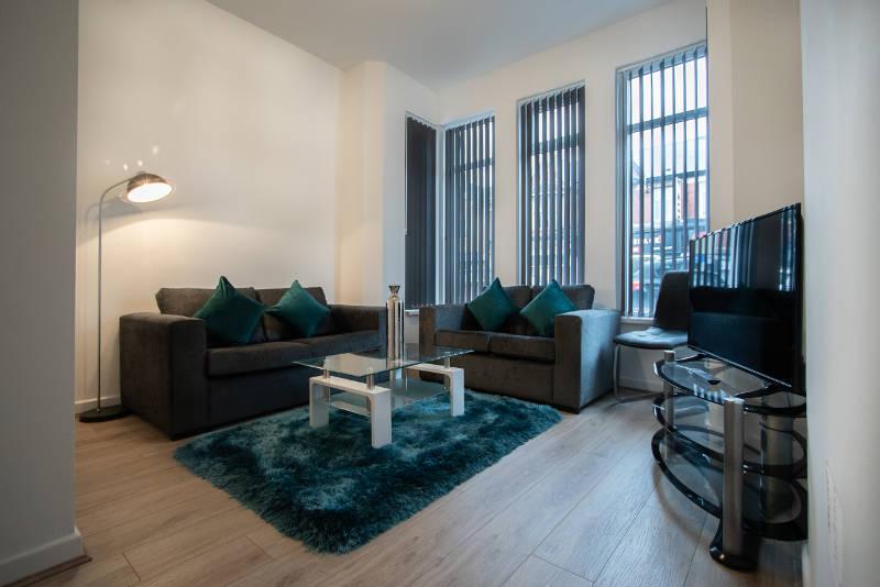 corpa-retreat-living-room