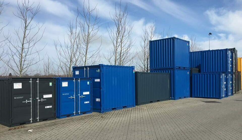 Minicontainere i flere forskellige størrelser. Både 6 fod, 8 fod, 10 fod samt 15 fod