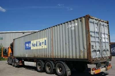 Skibscontainer udefra på trailer