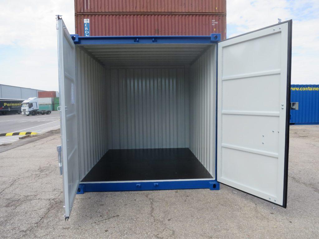 Lagercontainer set indefra, med træbund