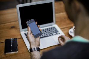 bore-out-online-psycholoog, online therapie bij verschillende psychische klachten via facetime, whatsapp, mail of chat