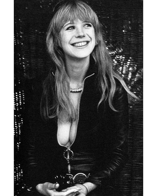 @mariannefaithfullofficial #lamotocyclette #jackcardiff #1968 #alaindelon #mariannefaithfull #leather #biker #sexy #rockstar #superstar