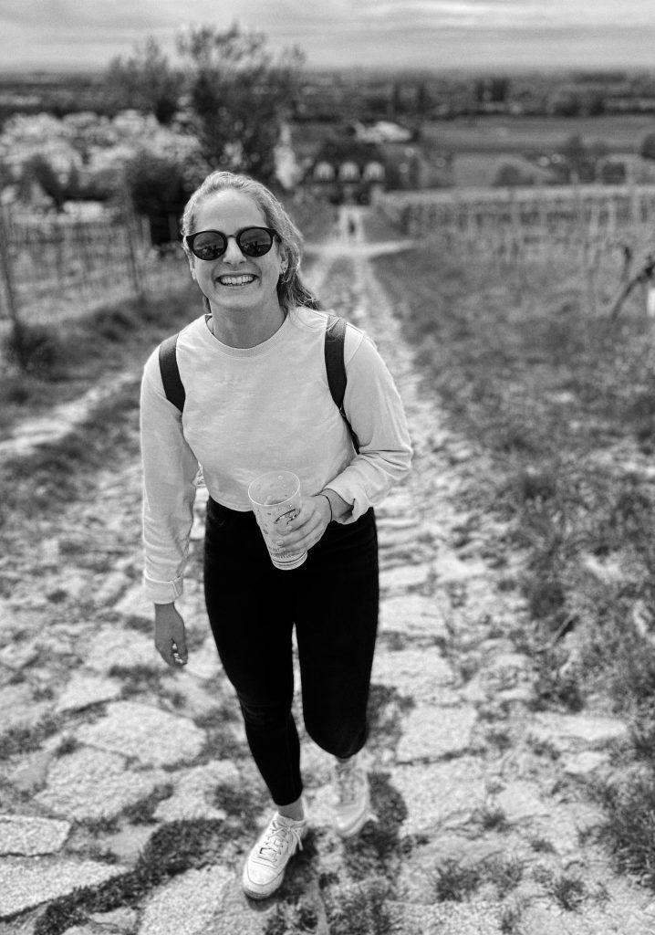 Luisa Gehle beim Weinwandern