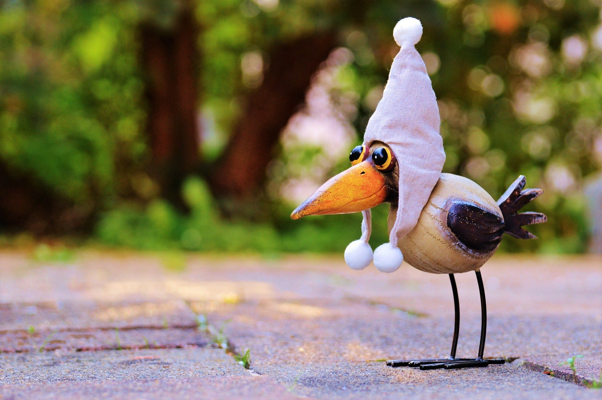 Rabe Socke vermittelt unseren Kindern, dass lügen, mogeln und Tatsachen verdrehen okay ist. Auf www.puddingklecks.de erkläre ich, warum mir der Vogel nicht mehr ins Haus kommt.
