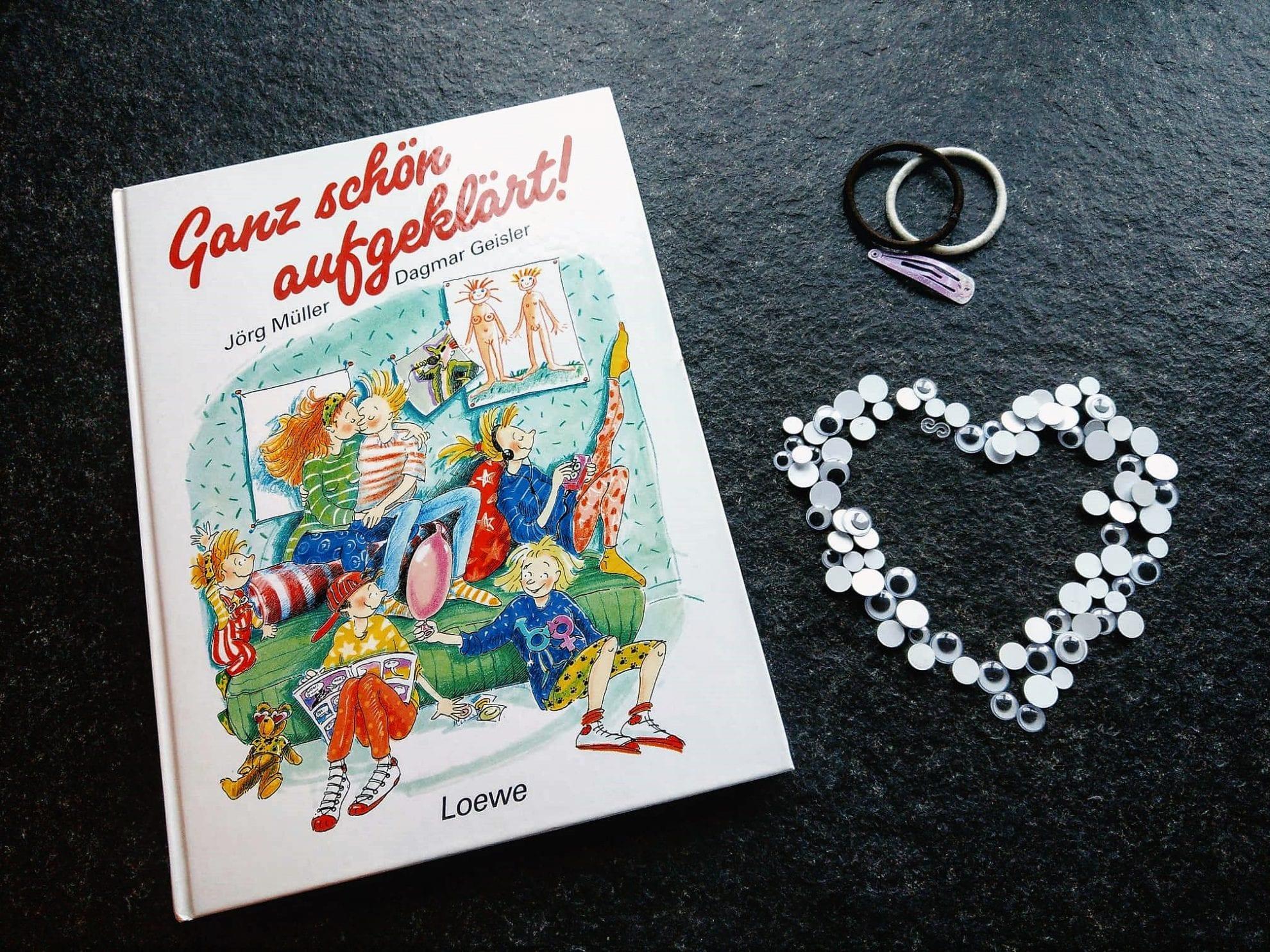 Ganz schön aufgeklärt aus dem Loewe Verlag erklärt Kindern ab 9 Jahren die Vorgänge in ihrem Körper und führt gefühlvoll durch die Zeit der Veränderung durch die Pubertät.