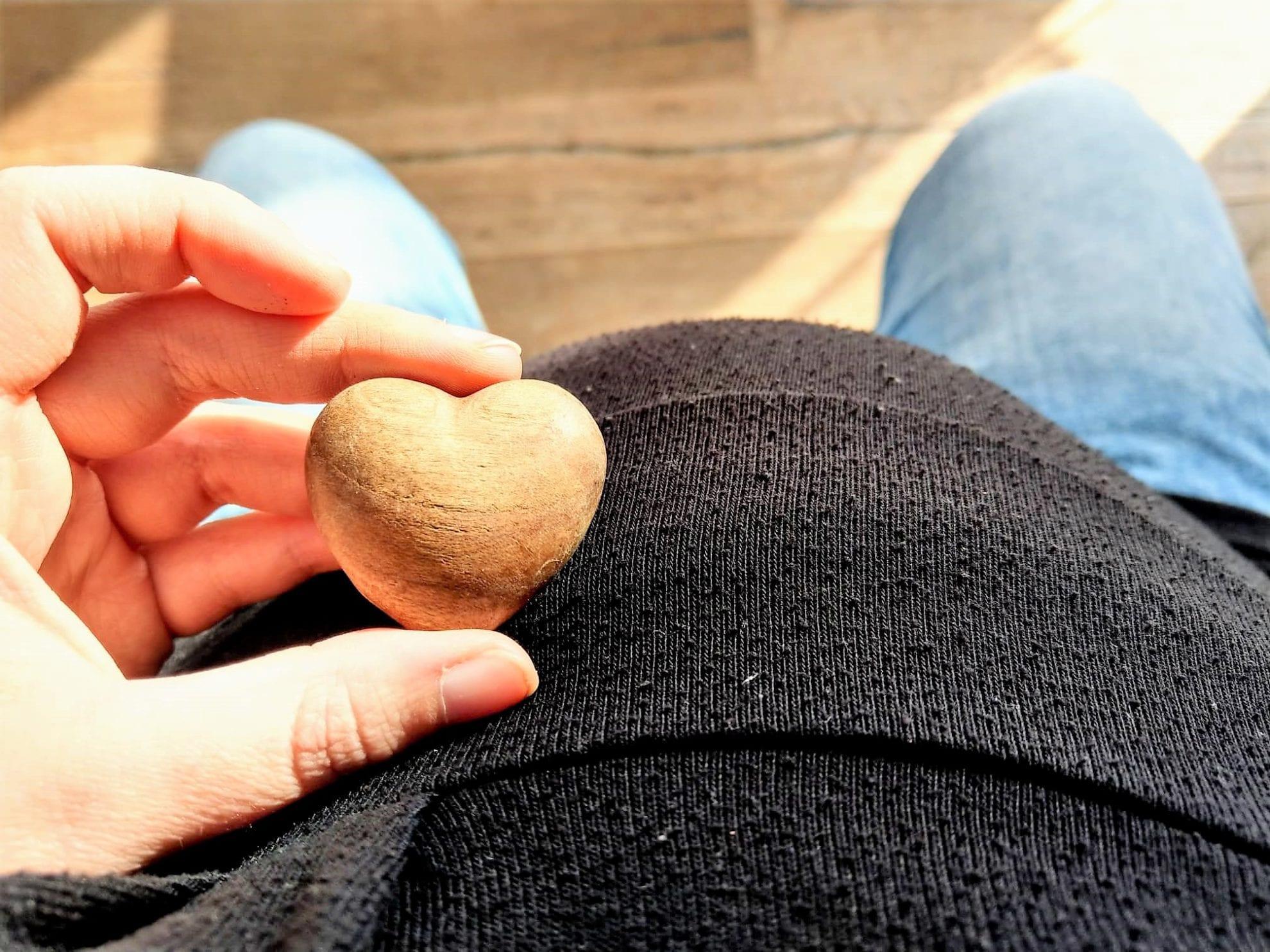 Schwangerschaft, schwanger, Schwangerschaftsupdate. 26. Schwangerschaftswoche, Babybauch, Herz, 7. Monat