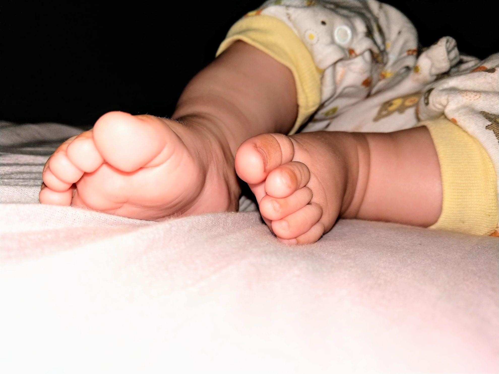 Babyfüße Baby Update Mamablog Titel