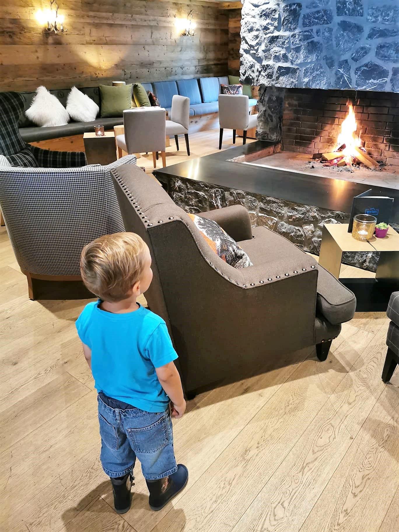 Kaminzimmer im Hotel Gorfion in Liechtenstein