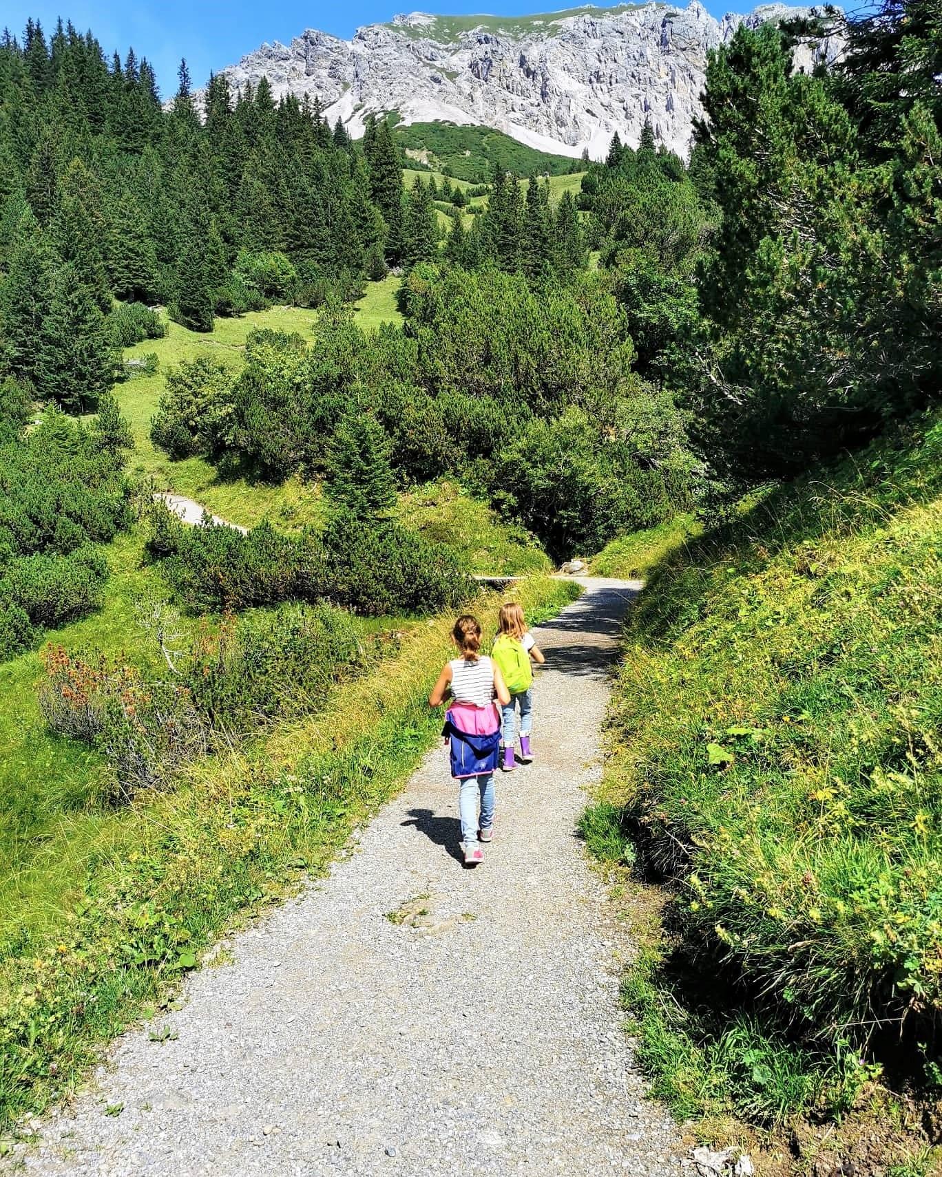 Wandern Outdoor Liechtenstein Familienurlaub