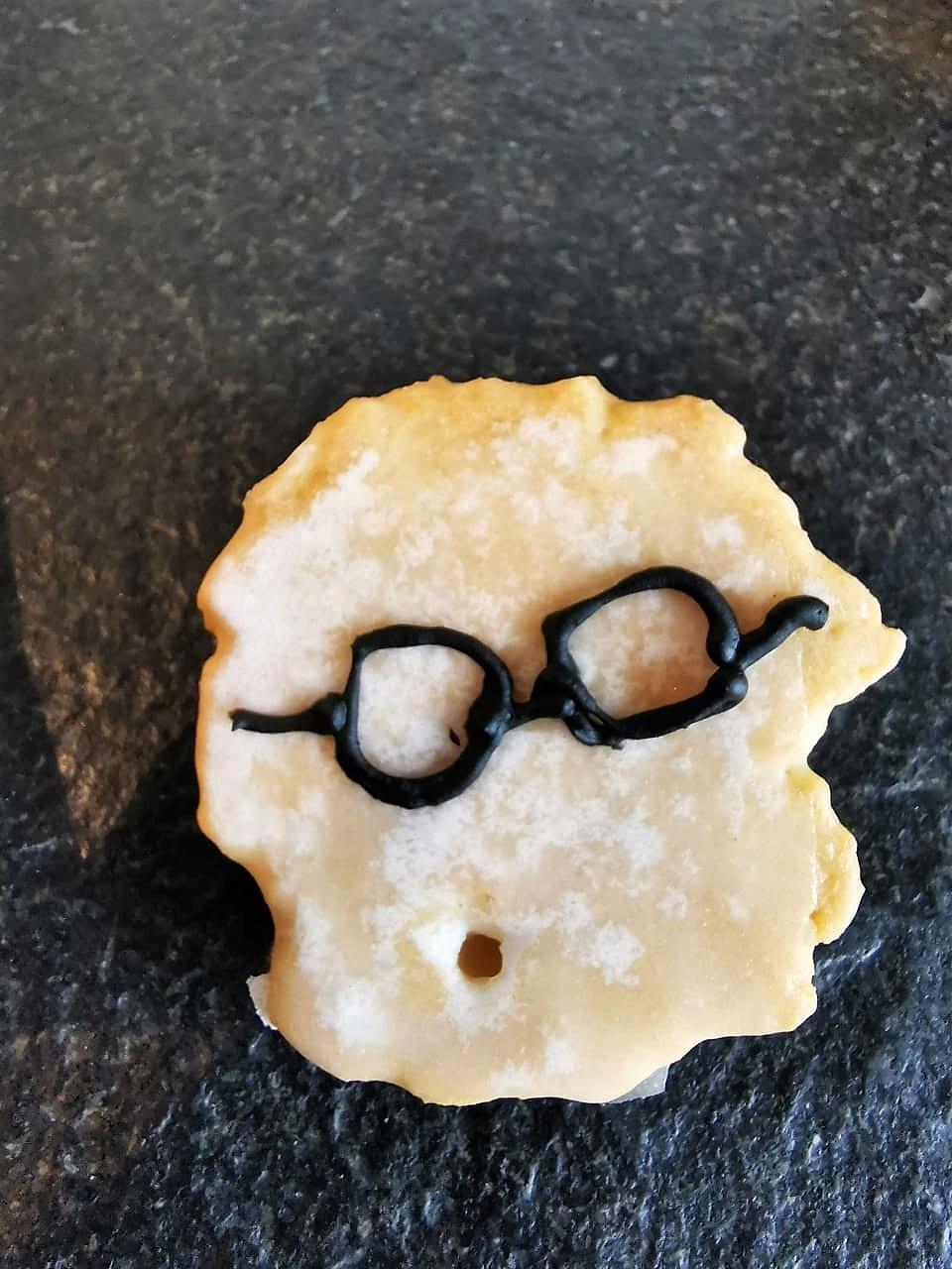 Mini Amerikaner mit Harry Potter Brille von Julie