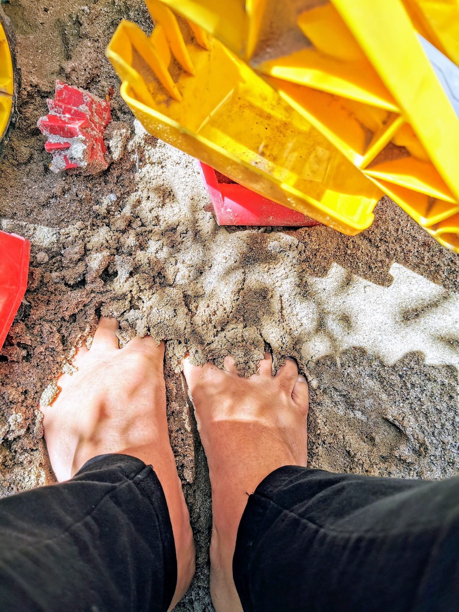 Urlaubsgefühl durch Zehen im Sandkasten - 12 von 12 im Juli 2020
