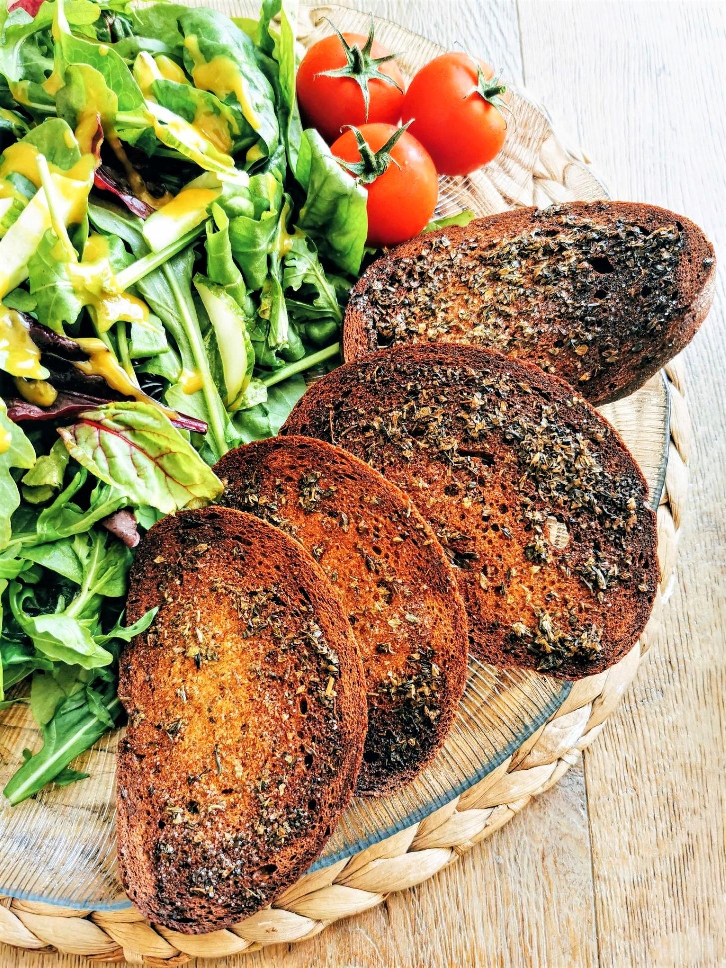 veganes Knusperbrot aus dem Ofen