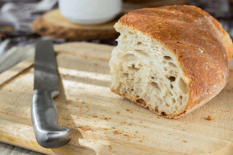 Altes Brot verwerten: Hier findest du sinnvolle Tipps zur Lagerung von Brot, als auch 5 tolle und einfache Rezepte gegen Lebensmittelverschwendung mit altem Brot