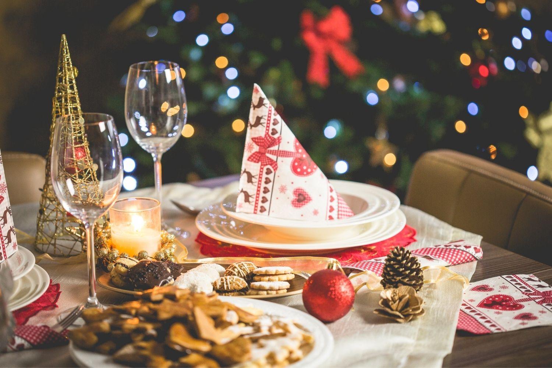 Jeweils 5 Ideen für Vorspeise, Hauptgericht und Nachspeise für ein vegetarisches Weihnachtsmenü. Fleischlos satt & glücklich.