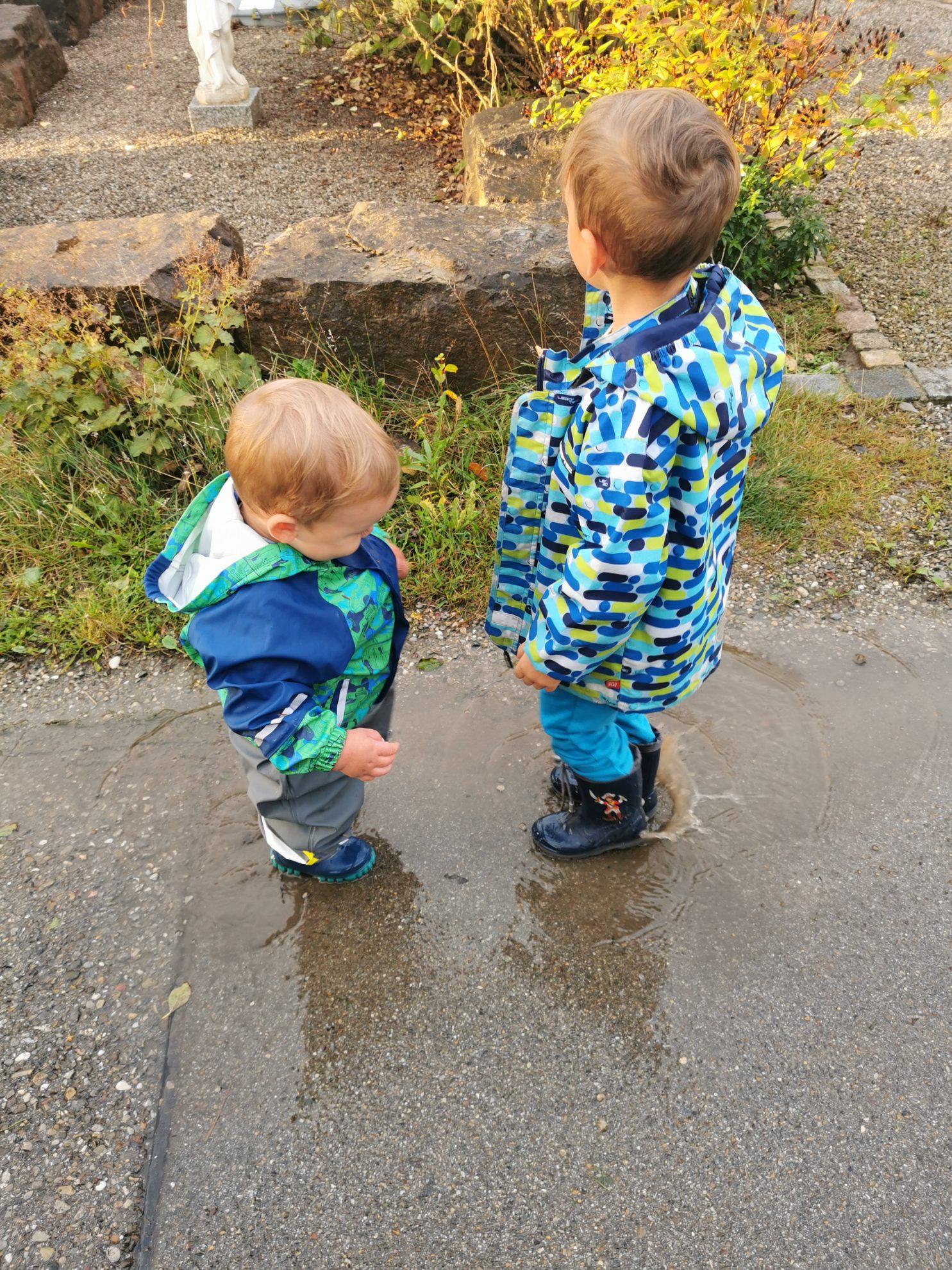 Die beiden Brüder trennen fast 4 Jahre. Aber auch sie haben eine sehr enge Verbindung und harmonieren sehr gut.