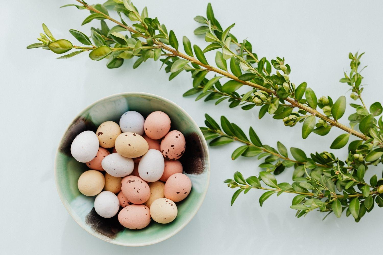 Hier findest du 25 tolle und einfach umsetzbare Ideen für die Osterferien. So kannst du die Ferien toll und abwechslungsreich gestalten.
