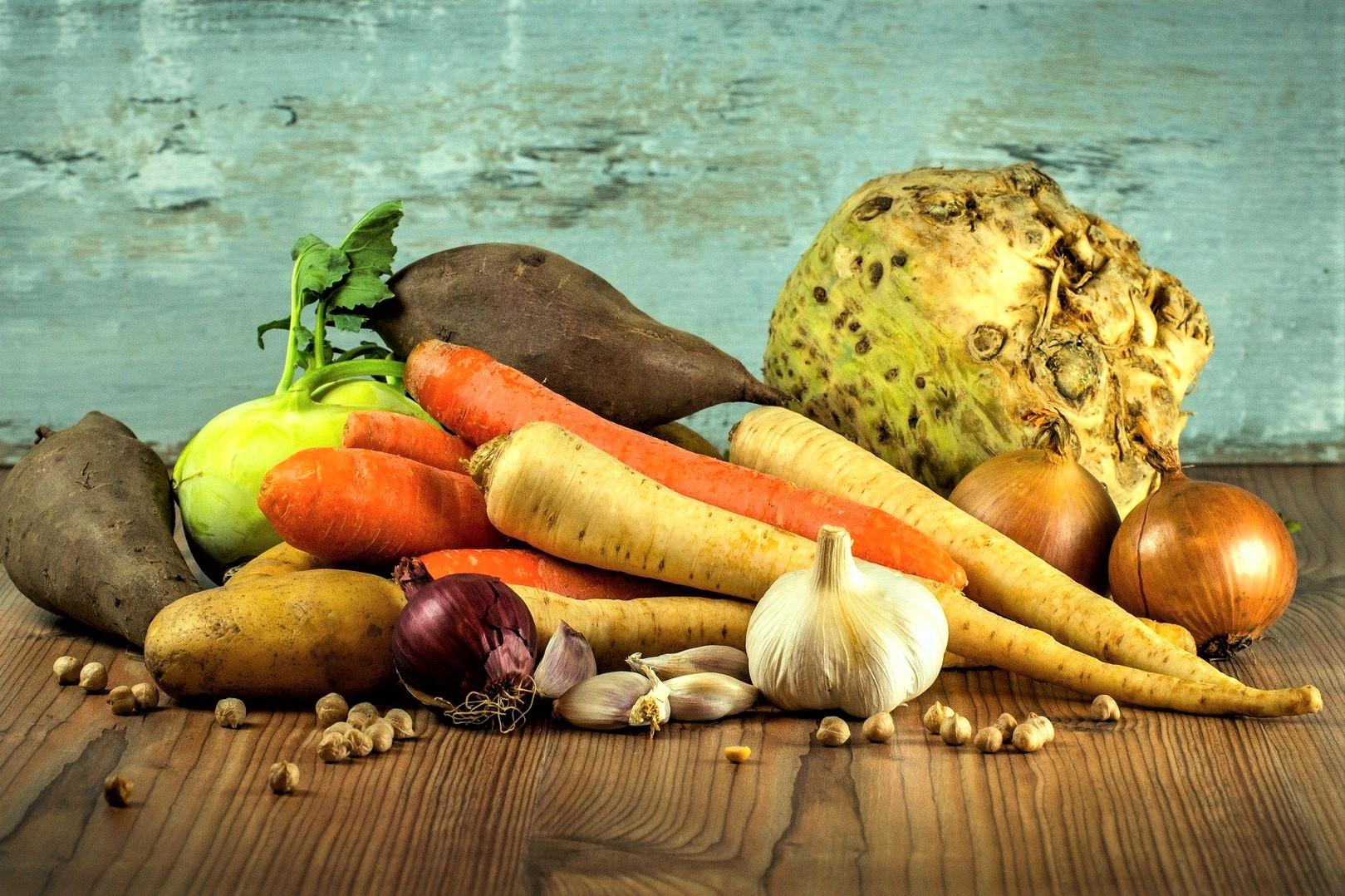 In meinem Familien-Speiseplan findest du bunte und abwechlungsreiche Rezepte für jeden. Gesund kochen, Essen genießen und alle sind glücklich. Ein Wochenplan für die ganze Familie