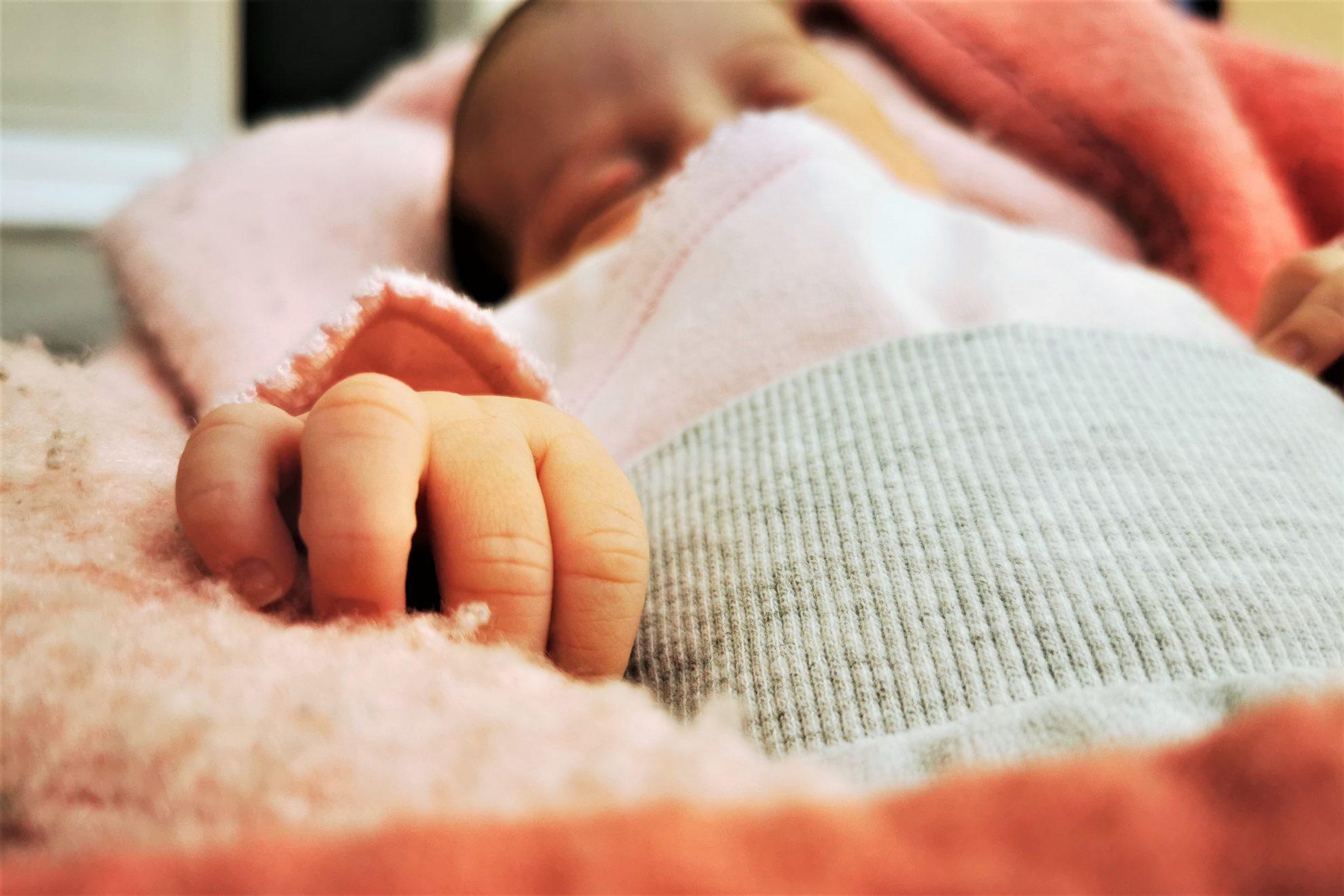Ein Kaiserschnitt Geburtsbericht einer geplanten Bauchgeburt. Ein positiver Geburtsbericht über diesen medizinischen Eingriff.