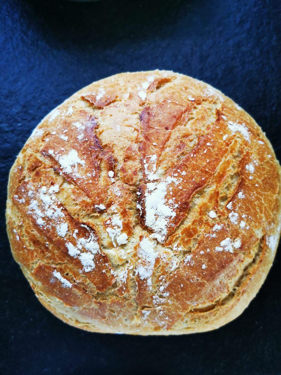 Ein einfaches Rezept für Topfbrot für die Freitagslieblinge am 8.10.21 - Brot im Topf backen - ein Lieblingsessen auf Puddingklecks.de