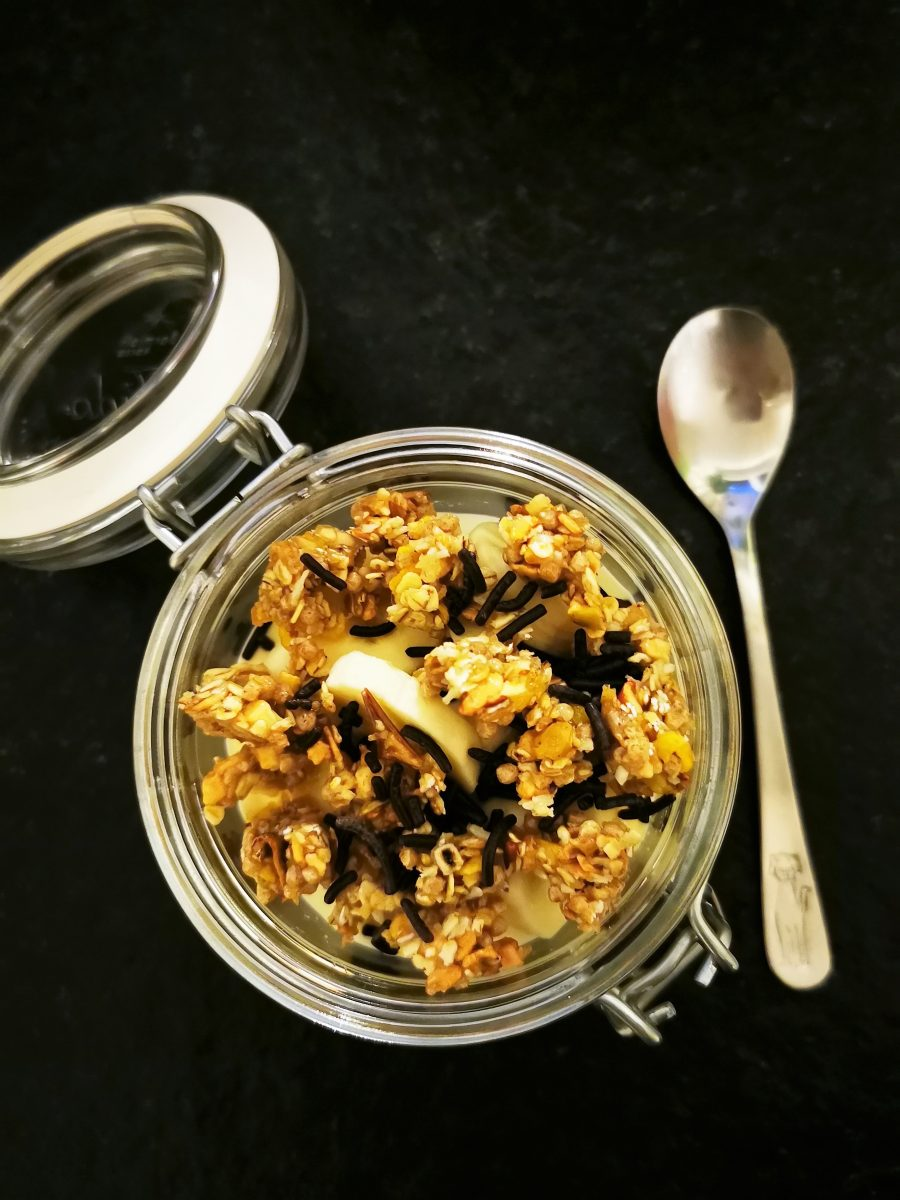 Overnight Oats - eine tolle Idee zum Meal Prep, falls die Zeit am Morgen knapp bemessen ist.