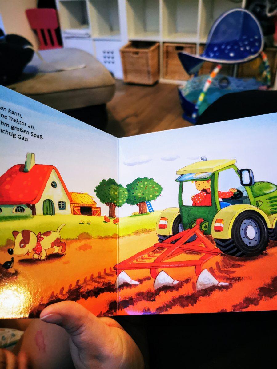 Vorlesen fördert die Kreativität und Fantasie von Kindern - es muss immer Zeit fürs Lesen von Büchern geben. :)
