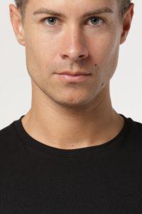 QT7 black face collar
