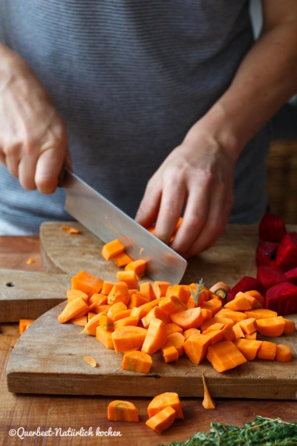 Möhren geschnitten.querbeetnatuerlichkochen