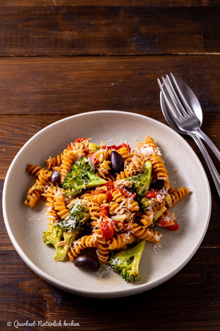 7 Mal anders   Jamie Oliver   Kochbuch   Kochbuchrezension  Einfache Brokkoli Thunfisch Pasta  querbeetnatuerlichkochen.de