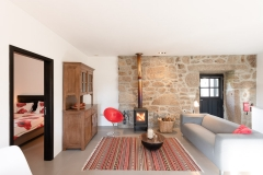 Rental-Holiday-Portugal-Lindo-Living-Fireplace