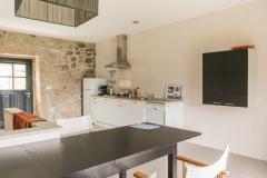 Quinta Olivia Penedo Kitchen dining table