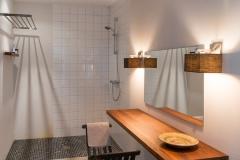 Quinta Olivia Vista Shower