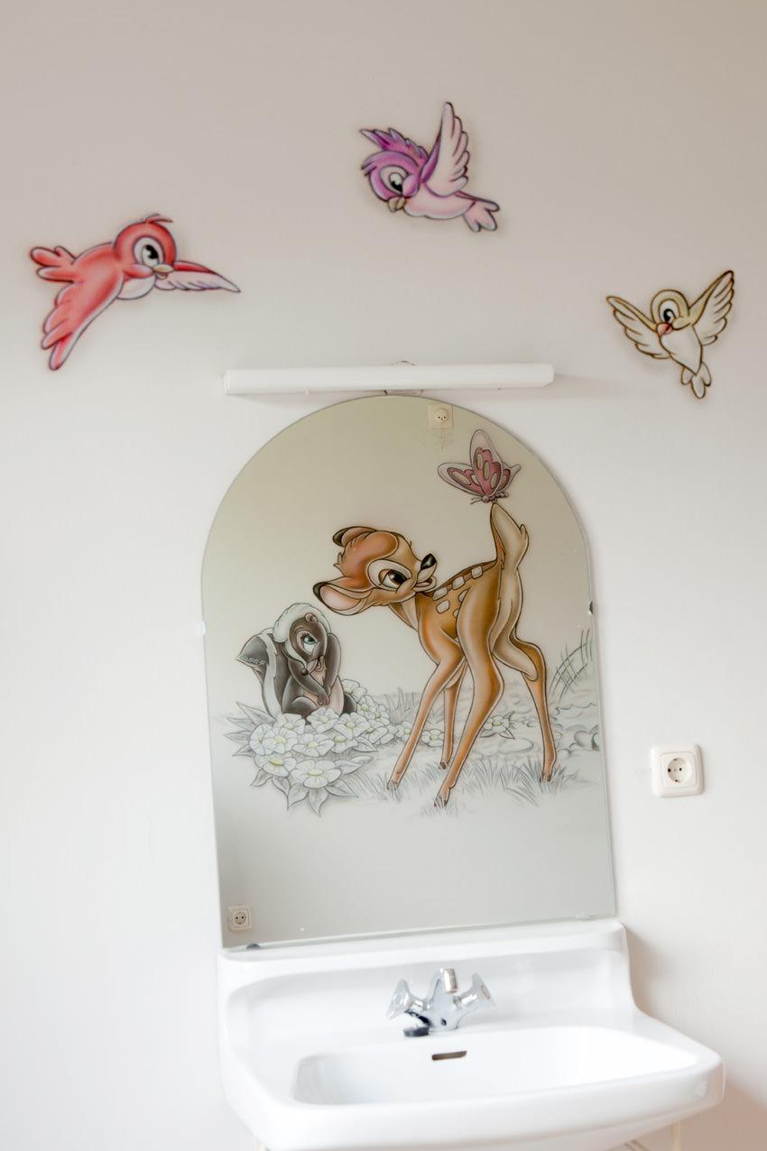 Airbrush muurschildering Bambi met vriendjes vogeltjes in babykamer
