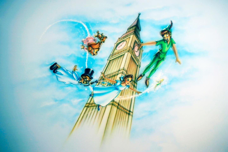 Muurschildering Peter Pan, Tinkerbell in kinderkamer met Big Ben