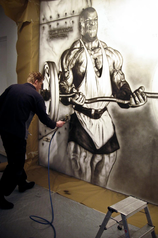 Making of muurschildering bij BeFit store Venlo