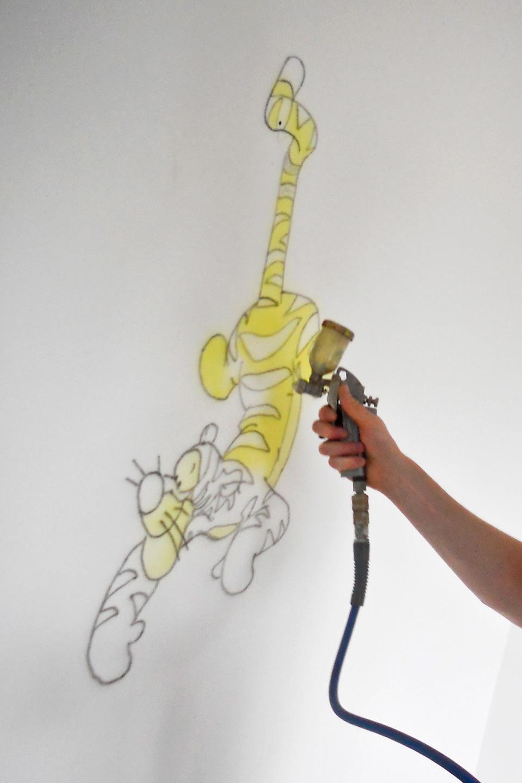 Making of Teigetje muurschildering in babykamer