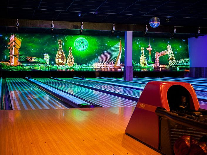 Blacklight bowling