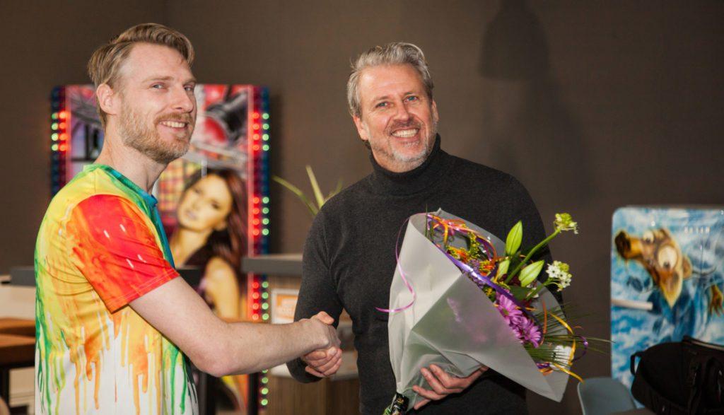 Vrijdag 21 februari heette wethouder Léon Soeterboek het R-BRUSH ATELIER officieel welkom in het winkelhart van Spijkenisse.