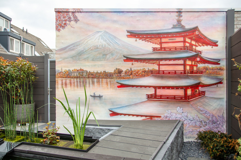 schildering in Japanse tuin met koi vijver