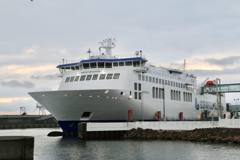 Bild der Fähre Hammershus im Hafen von Rønne