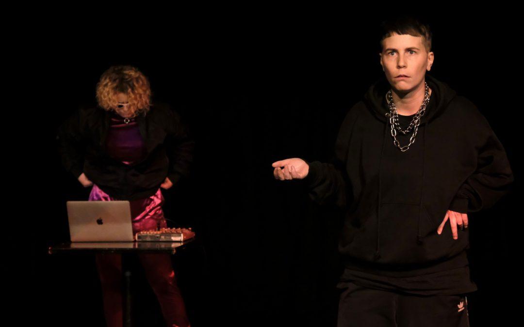 Teaterbattle = Kærlig Kunstnerisk Kappestrid