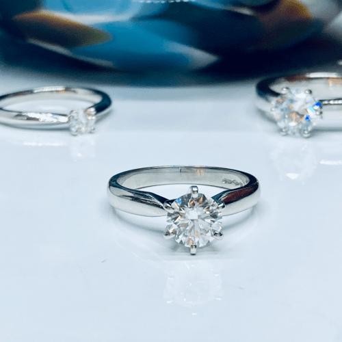 1ct Diamond Solitaire Engagement Ring in Platinum