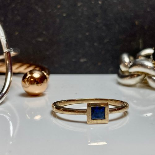 9ct Yellow Gold and Sapphire Rub-over Ring
