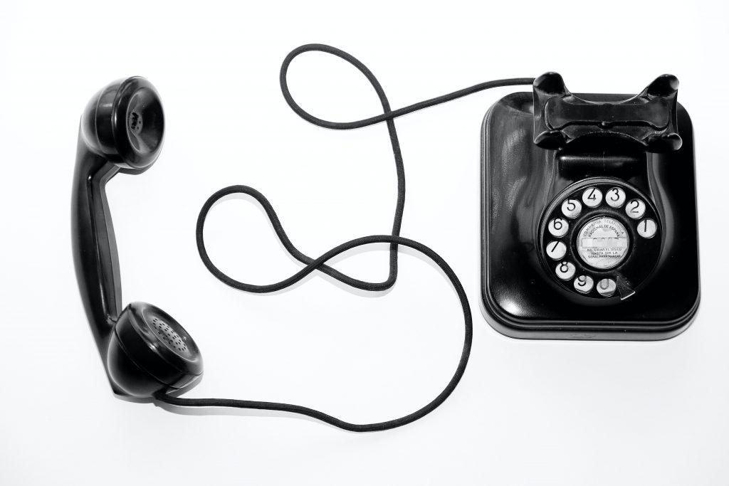 Gammeldags telefon til at bruge til kontakt hos Ransborgs Salg og Service