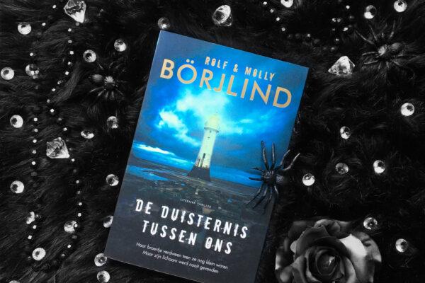 De duisternis tussen ons – Rolf & Molly Börjlind