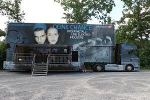 Der Metall-Truck besucht die Realschule