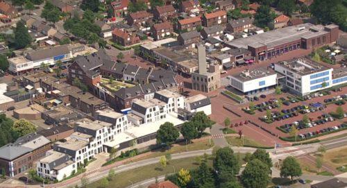 Gemeentehuis en toren Nieuw Bergen