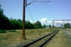 Fra (den ikke brugbare?) platfomen mellem spor 2 og 3 mod vest. MQ fortsætter ad venstre spor mod Middelfart.