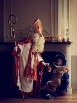 Sint en Piet schouw staand