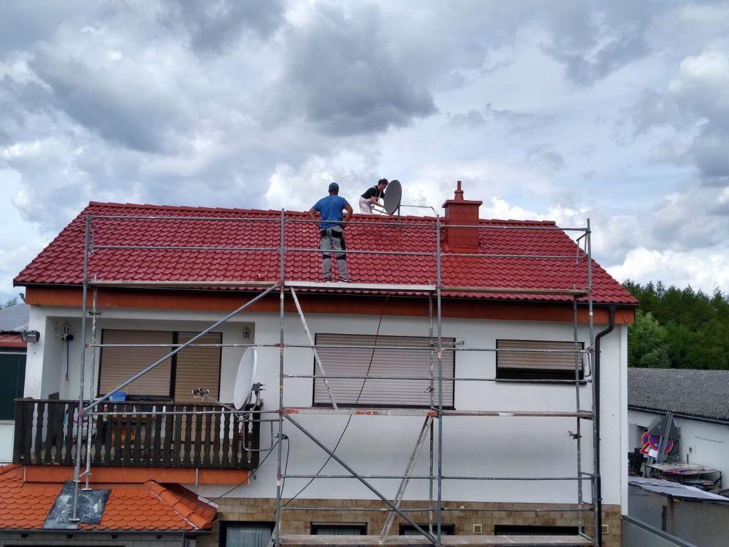 Reinigung Meinhardt während der Dachreinigung