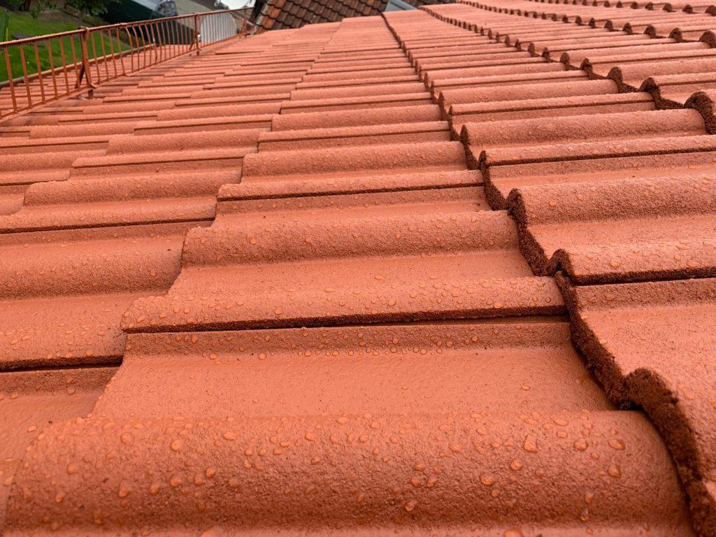 Beschichtetes Dach Nano in Frankfurt nach der Dachbeschichtung von Reinigung Meinhardt